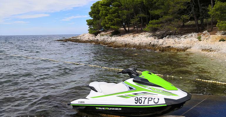 Хорватия, Истрия, Адриатическое море, отдых и гидроциклы.