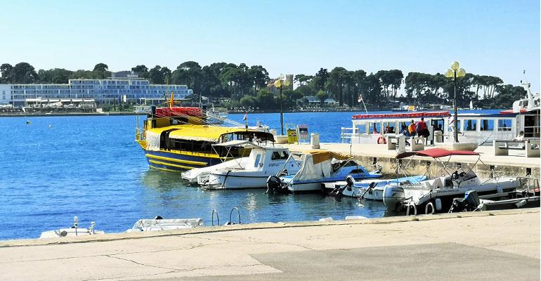 Хорватия, Истрия. Адриатическое море и наш жёлтый катерок. Великолепная прогулка по морю в г. Пореч.