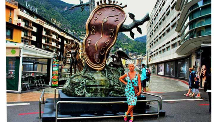 Андорра-ла-Велья. Бронзовая скульптура «Благородство времени» Сальвадора Дали